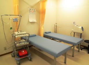 処置室(心電図・AED等があります)